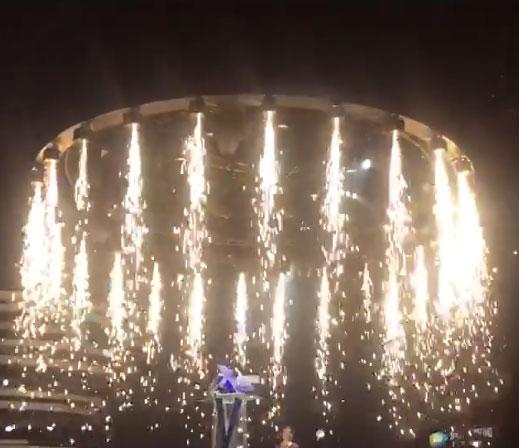 400W 火焰瀑布机 下喷冷焰火 下喷冷烟花